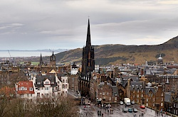 edinburgh-castle-blick-schottland-little-discoveries-net-vorschaubild.jpg