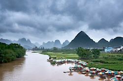 yangshuo-china-yulong-bridge-littlediscoveriesnet.jpg